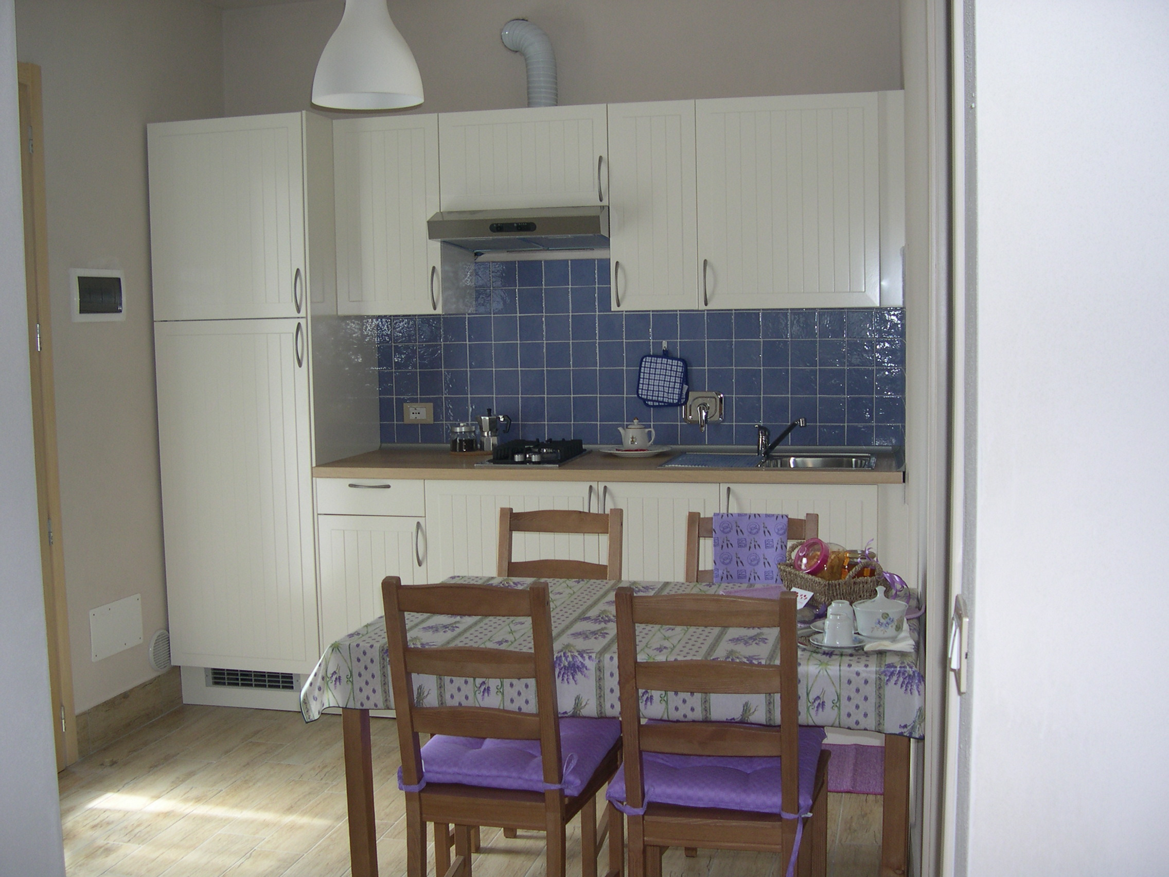 Awesome Lavanda In Cucina Contemporary - ubiquitousforeigner.us ...